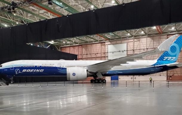 В США презентовали самый длинный в мире самолет