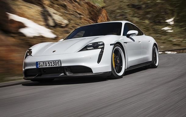 Porsche показала первый серийный электрокар
