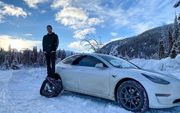 Канадец переделал Tesla Model 3 в снегоход